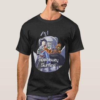 Camiseta Spaceway surfando