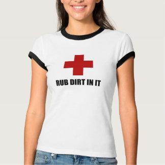 Camiseta Sujeira da RUB nela