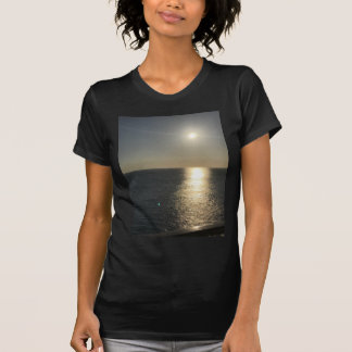 Camiseta Sun na água