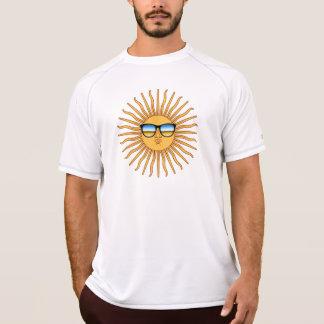 Camiseta Sun nas máscaras