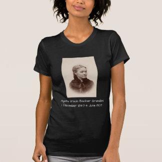 Camiseta Suporte Grondahl de Ágata Ursula