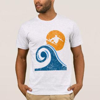 Camiseta Surfar do vintage