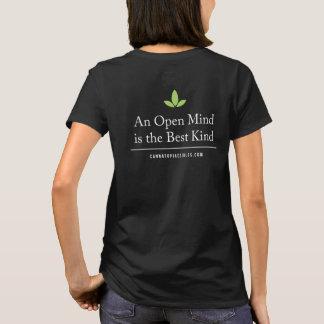 Camiseta T básico da parte traseira da mente aberta das