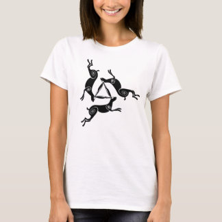 Camiseta T claro das senhoras triplas de Triskele da lebre