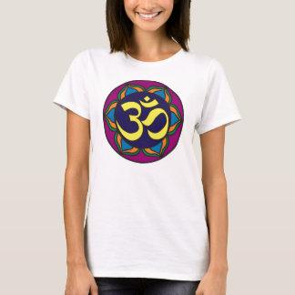 Camiseta T da boneca das senhoras do vitral do OM