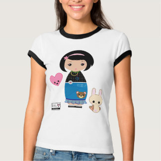 Camiseta T da campainha de Kawaii Kokeshi