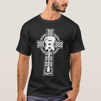 Camiseta T da cruz celta