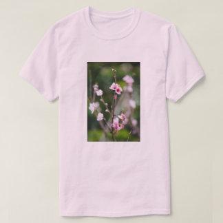 Camiseta T da estação da flor do primavera