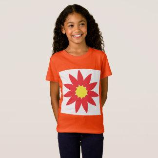 Camiseta T da flor