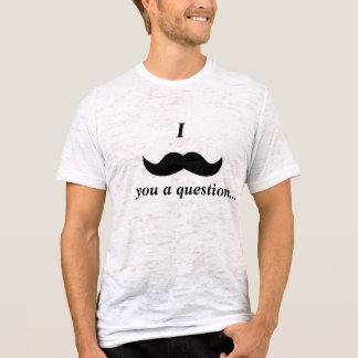 Camiseta T do bigode