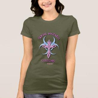 Camiseta T do camo das mulheres