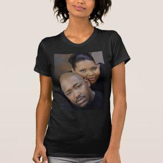 Camiseta T do casamento de Dwayne e de Andrea