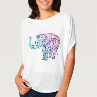 Camiseta T do elefante do azul de espírito livre