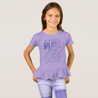 Camiseta T do equilíbrio do plissado da menina