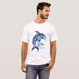 Camiseta T do golfinho das ondas de quebra