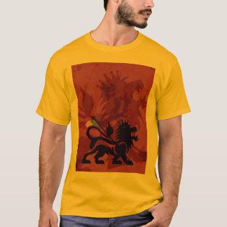 Camiseta T do leão de Ras do ouro
