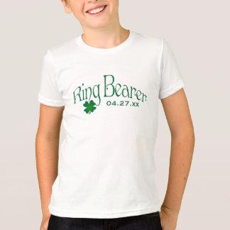 Camiseta T do portador de anel do trevo do verde esmeralda