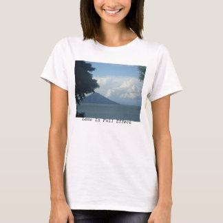Camiseta T do vulcão de Nicarágua