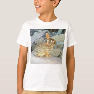 Camiseta T doce do coelho de coelho de Brown