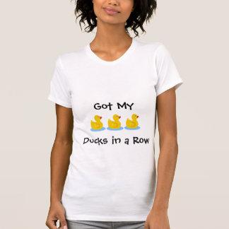 Camiseta T dos patos em seguido