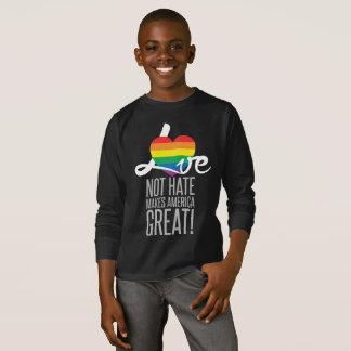 Camiseta T longo escuro da luva do menino do ódio do amor