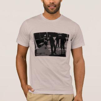 "Camiseta ""T retro do dia traseiro de n a Dinamarca"""