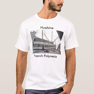 Camiseta T-shirt, a doca em Huahine, Polinésia francesa