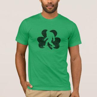 Camiseta T-shirt afortunado de Sasquatch (afligido)