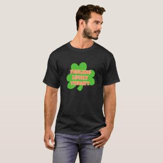 Camiseta T-shirt afortunado de sentimento do trevo