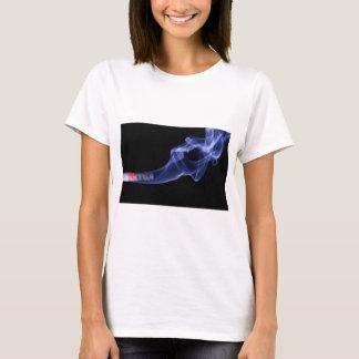 Camiseta T-shirt ardente do impressão do cigarro