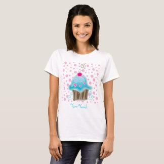Camiseta T-shirt bonito das bolinhas do cupcake Yum Yum