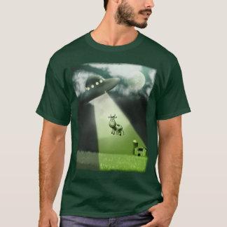 Camiseta T-shirt cómico da abducção da vaca do UFO