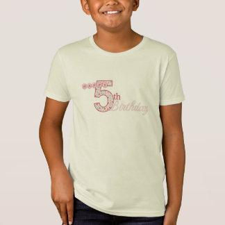 Camiseta T-shirt cor-de-rosa do 5o aniversário feliz