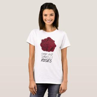 Camiseta T-shirt cor-de-rosa do buquê