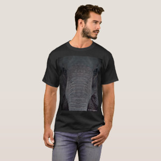 Camiseta T-shirt Customisable que caracteriza um elefante