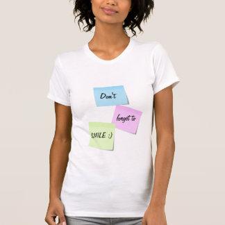 Camiseta T-shirt customizável do texto do sorriso pegajoso