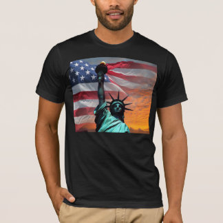 Camiseta T-shirt da bandeira dos E.U. da estátua da