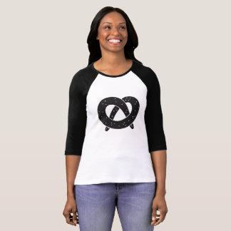 Camiseta T-shirt da luva de Raglan das mulheres do pretzel