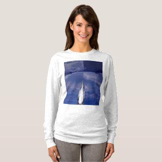 Camiseta T-shirt da reflexão da capa do carro das mulheres