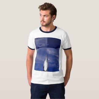 Camiseta T-shirt da reflexão da capa do carro dos homens