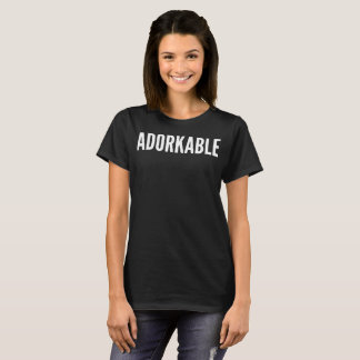 Camiseta T-shirt da tipografia de Adorkable