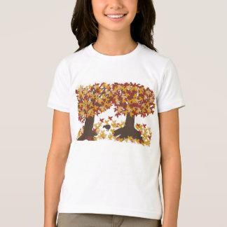 Camiseta T-shirt das meninas das árvores do outono