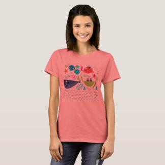 Camiseta T-shirt das meninas dos desenhistas com criaturas