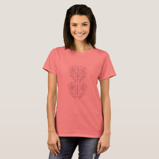 Camiseta T-shirt das mulheres com ornamento