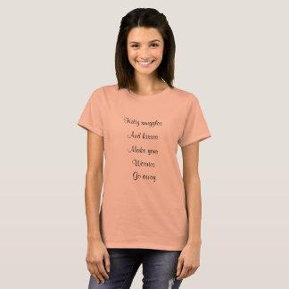 Camiseta T-shirt das pétalas & da pena & do veludo de