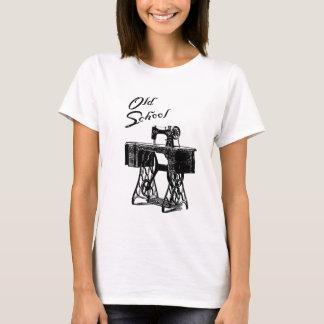 """Camiseta T-shirt das senhoras da """"velha escola"""" da máquina"""
