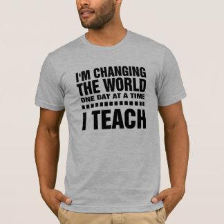 Camiseta T-shirt de ensino do design da tipografia das