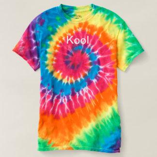 """Camiseta T-shirt de """"Kool"""" da tintura do laço"""