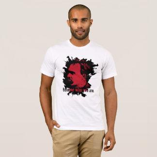 Camiseta T-shirt de Nietzsche - transformado quem você é