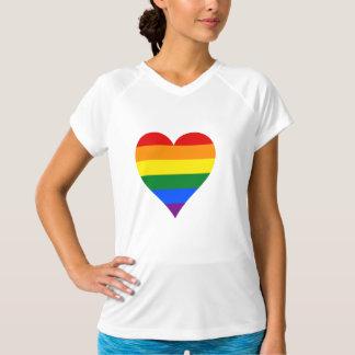 Camiseta T-shirt do coração do orgulho de LGBT